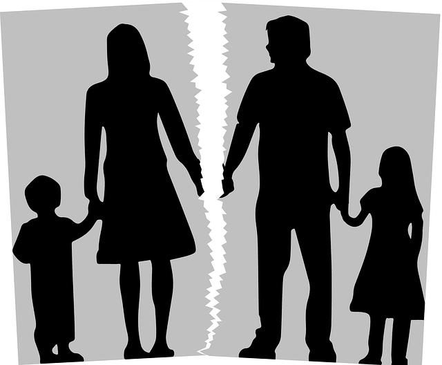 מה ההבדל בין עורך דין רגיל לדיני משפחה, ומתי צריכים לפנות לכל אחד?